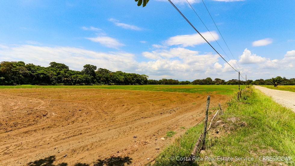 Ферма На продажу в 2,377 Acre Agricultural Ranch and Rice Farm Located by Zancudo Beach, Playa Zancudo, Puntarenas   , Коста-Рика