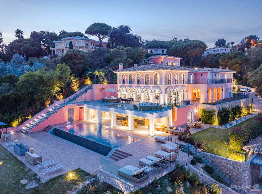 Продажа жилищных объектов в MEGA MAJESTIC MANSION CANNES FRANCE, Cannes, Provence-Alpes-Cote d'Azur ,06029  , Франция